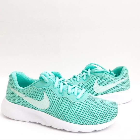 2 Emerald Riseigloo White Nike Tanjun